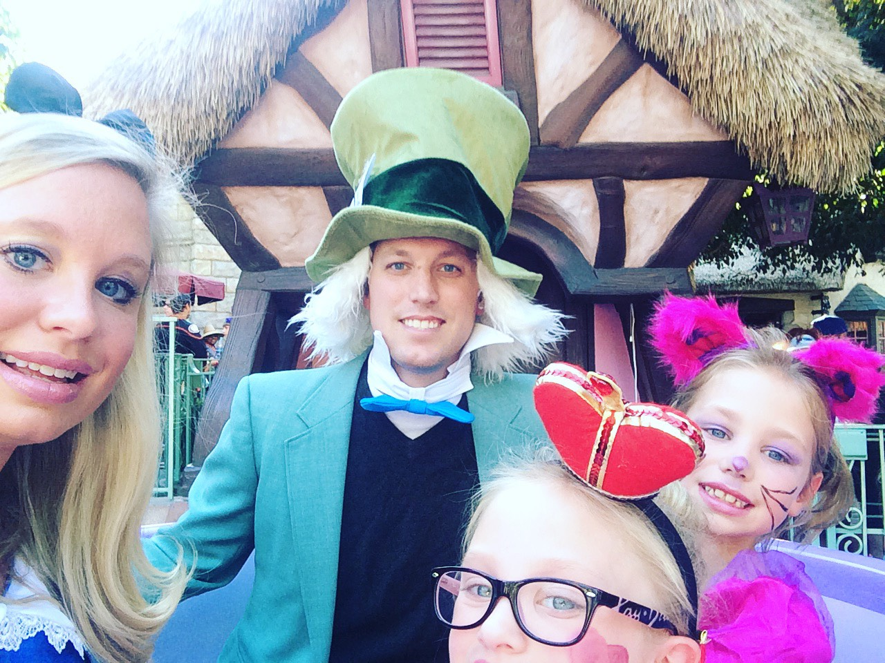 Alice In Wonderland Halloween Costume Family.Springfield Moms Dads Grandparents Free Family Resources For